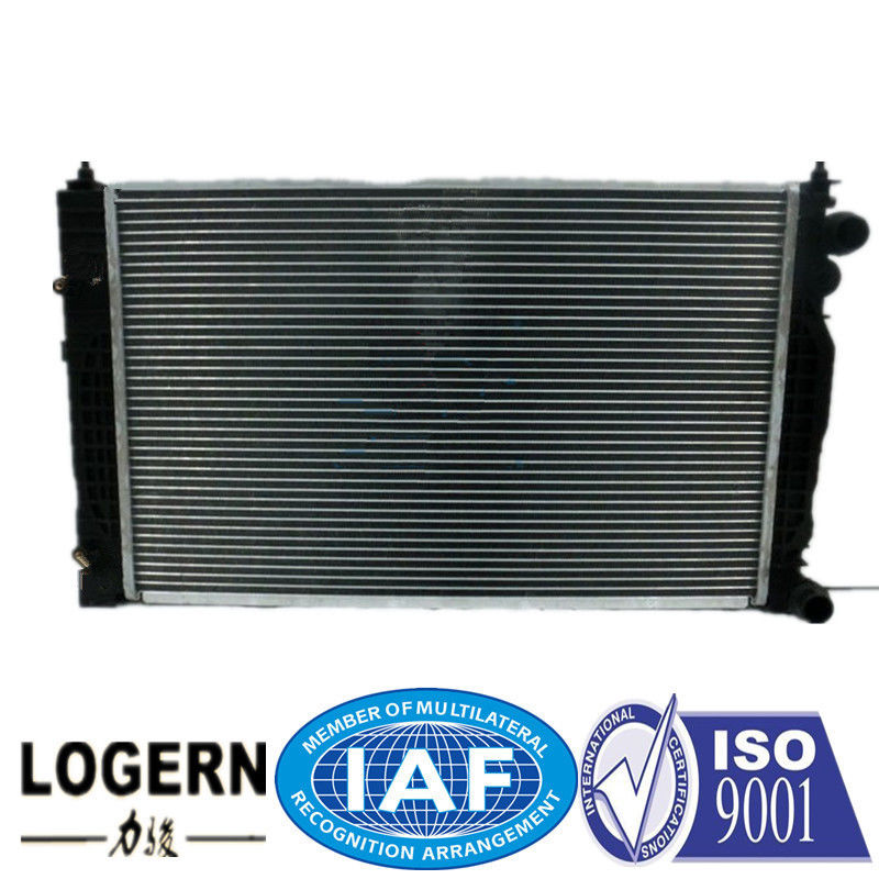 8D0 121 251 N Cooling Car Radiator For Audi A4 / S4 / Passat 96